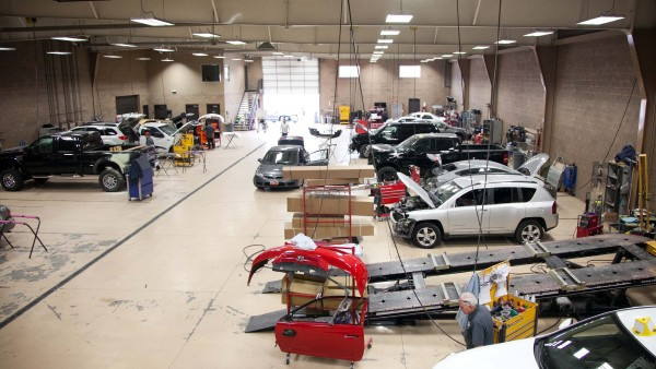 Tips on Hiring the Right Auto Body Shop